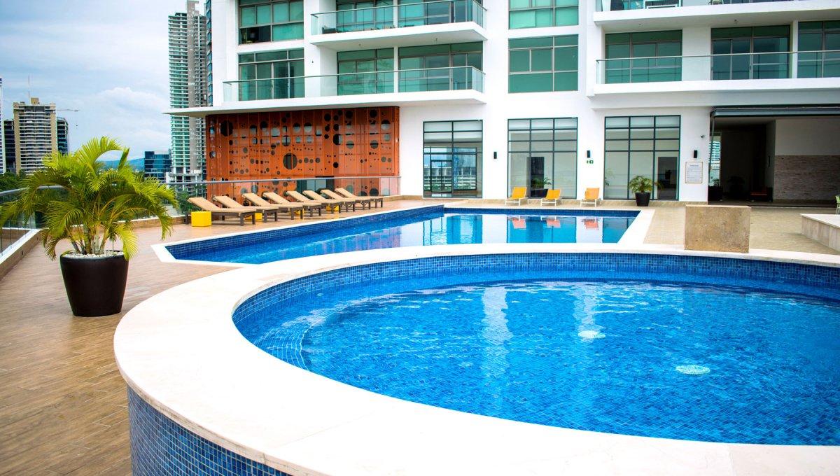 Paramount-piscinas